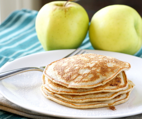 apple cinnamon pancakes are light and fluffy and chock full of apples ...