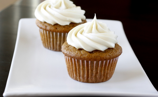 Maple Cream Cheese Frosting pumpkin cupcakes with maple cream cheese frosting | what megan's