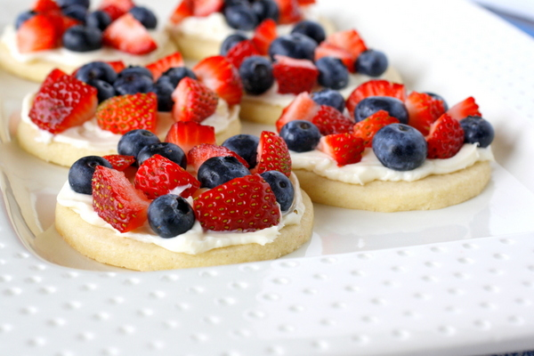 Mini Fruit Pizzas | What Megan's Making