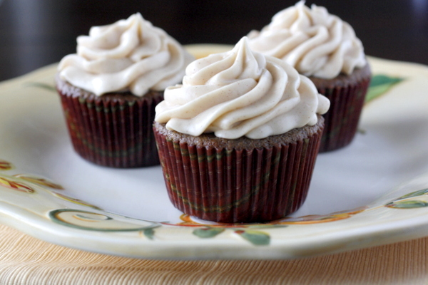 Chocolate Chai Cupcakes with Cinnamon Cream Cheese Frosting