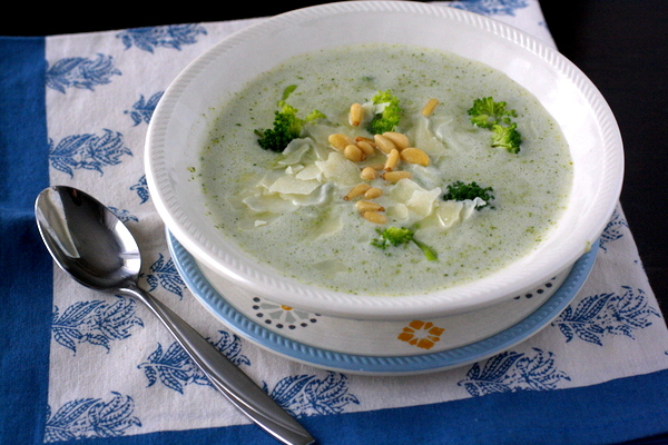 Creamy Broccoli and White Bean Soup