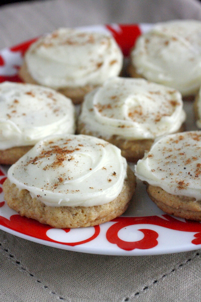 These soft iced eggnog cookies will definitely be pretty (and ...